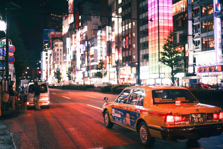 japan-taxi-night-street